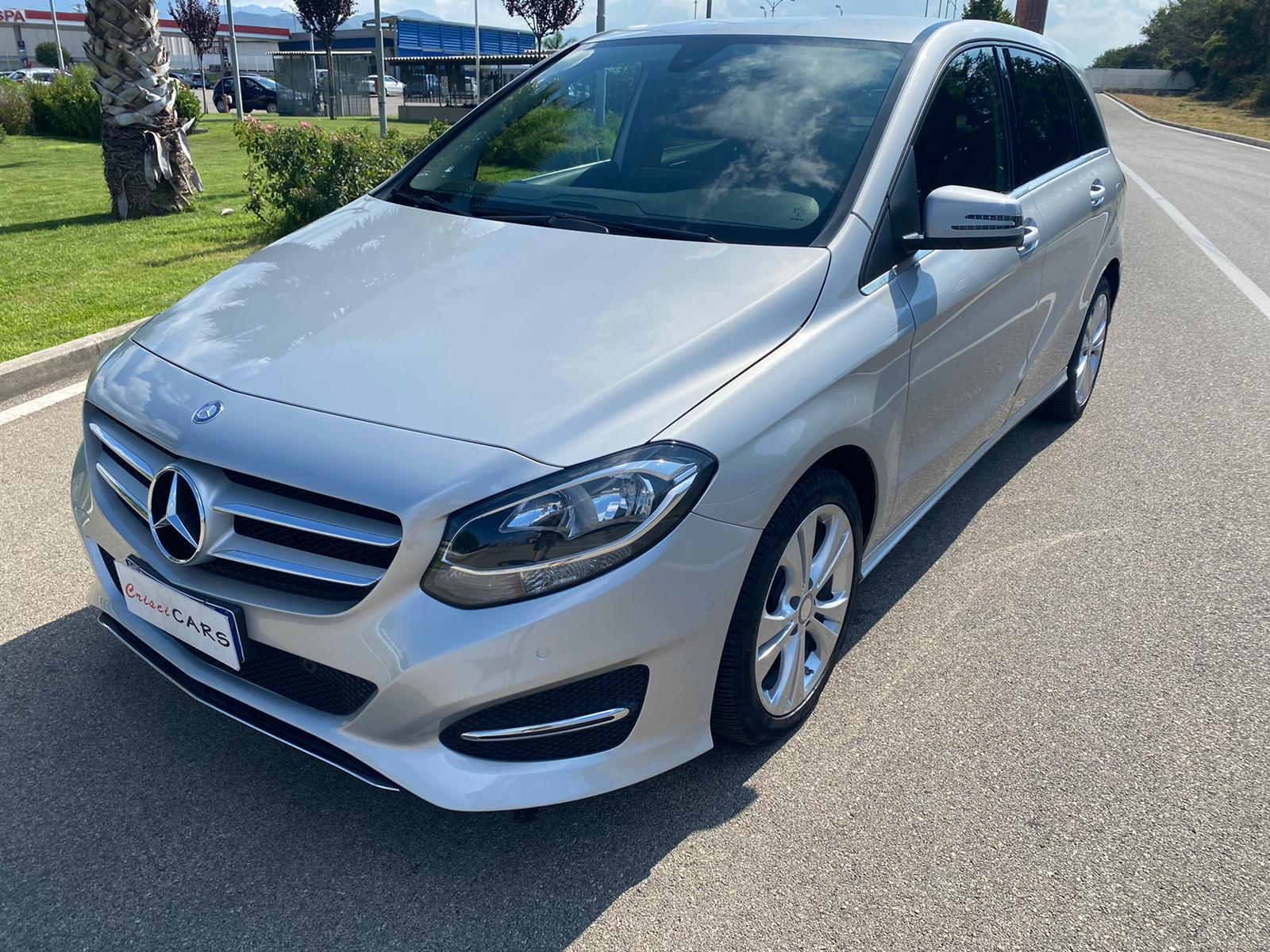MERCEDES-BENZ Classe b 180 d business